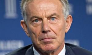 Tony Blair, Ex Primer Ministro de Inglaterra asistió a la Reunión Bilderberg de 1993 en Grecia. Cuatro años después fue elegido Primer Ministro.