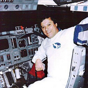 Clark Mcclelland en el Space Shuttle.