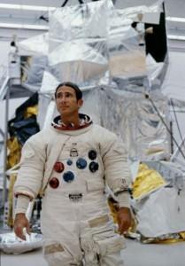 James Irwin, otro astronauta que sabía de la presencia OVNI en el espacio.
