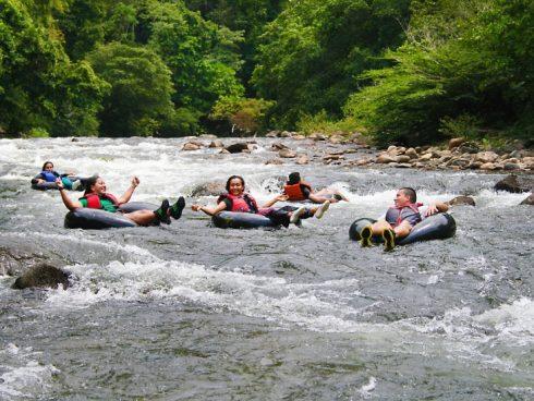 Tubing por el río Don Diego o también conocido como Palomino.
