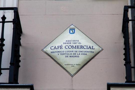 placa-situada-en-el-cafe-comercial_447777