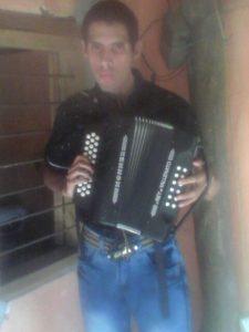 Entrega de ropa a Leandro en Montería - foto personal