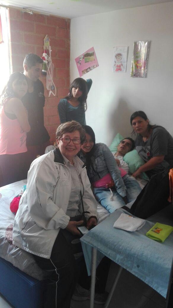 Óscar y su familia - foto 'La Sal en la Herida'