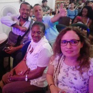 En Motete, la Maestra Fabiola Torres, (centro), Alex Noa su manager, (izquierda), el arquitecto y Gestor Cultural Douglas Makarios Cújar Cañadas, (derecha arriba), y Adriana Toro Rivillas, (derecha abajo), productora - foto personal