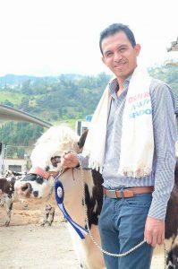 Osman Fernando Roa López, candidato al Senado por Cambio Radical, con el # 70 - foto personal