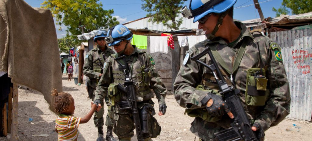 Foto: UN/MINUSTAH/Jesús Serrano Redondo. Tomada de: UN DISPATCH - United Nations News & Commentary Global News - Forum: https://www.undispatch.com/why-stopping-peacekeeper-abuse-is-so-politically-challenging-and-so-very-important/
