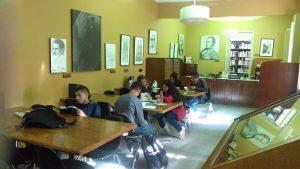 Única biblioteca en Colombia especializada en poesía con más de 7.000 volúmenes
