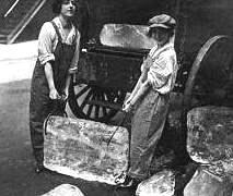 hielo-mujeres-garfio-imagen-antigua