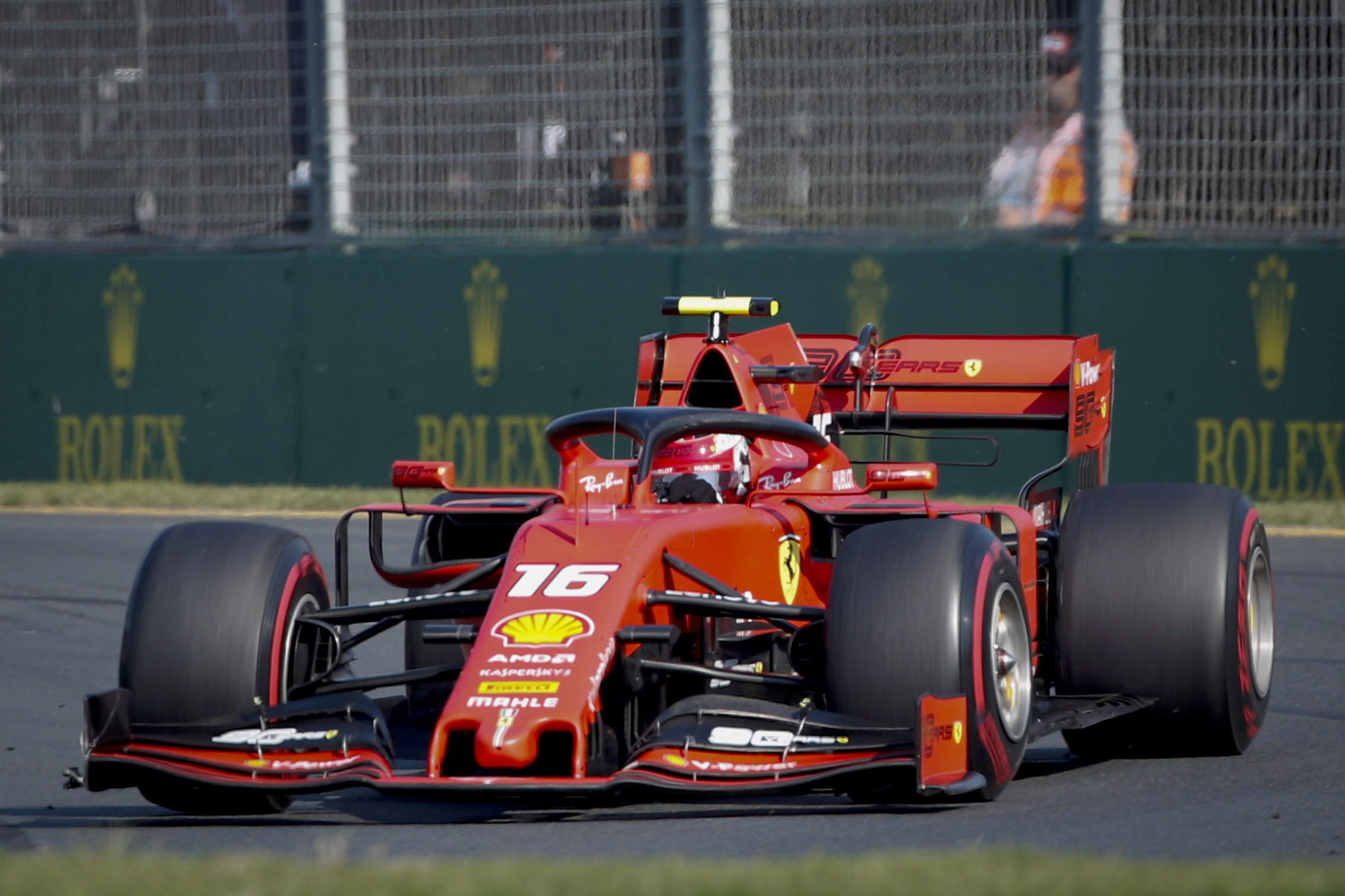 EFE/EPA/DIEGO AZUBEL. ZSN095. Melbourne (Australia), 17/03/2019.- Monaco's Formula One driver Charles Leclerc of Scuderia Ferrari in action during the 2019 Formula One Grand Prix of Australia at the Albert Park Grand Prix Circuit in Melbourne, Australia, 17 March 2019. (Fórmula Uno)