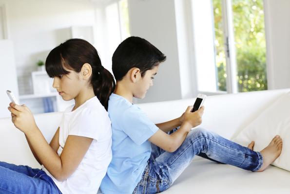 Los Menores De 14 Años No Deben Tener Celular Blogs El Tiempo