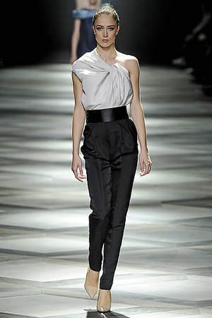 lanvin-black-slacks-and-one-shoulder1