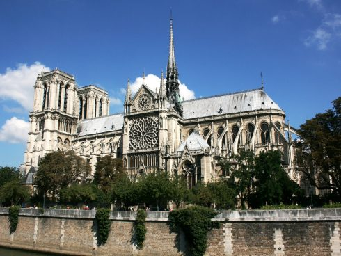 Foto Creative Commons https://pixabay.com/es/photos/notre-dame-catedral-par%C3%ADs-490222/