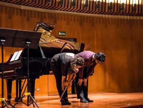 Dúo Wapiti en la Sala de Conciertos de la Biblioteca Luis Ángel Arango, 24 de abril de 2016. Fotografía: Gabriel Rojas.