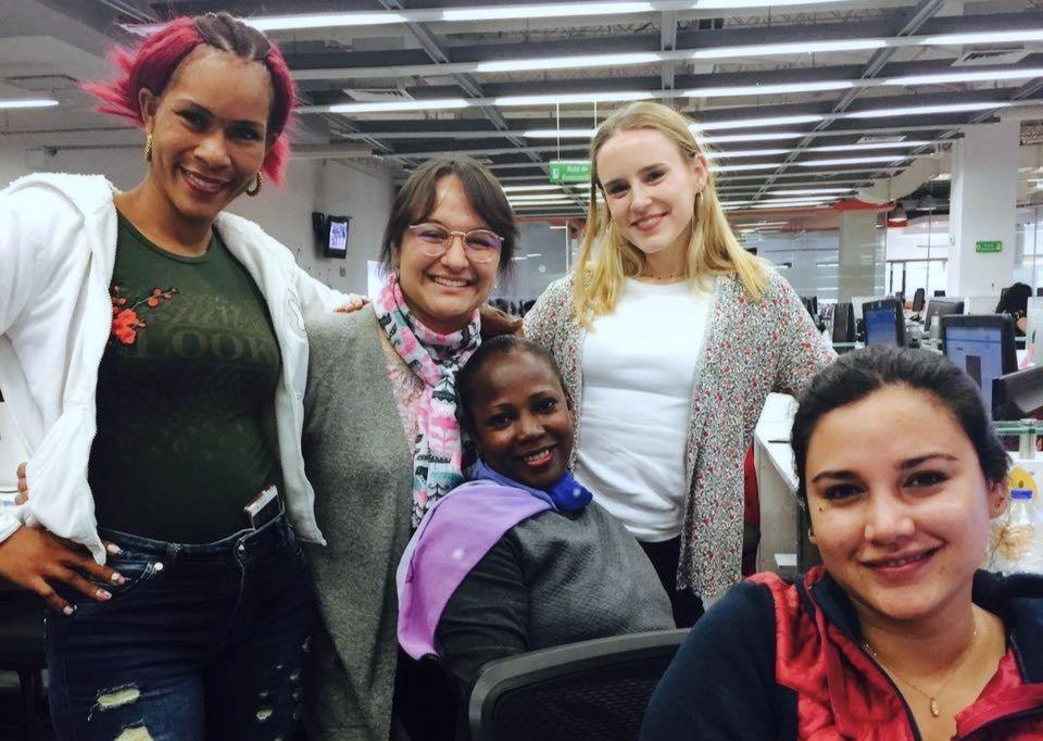 De izquierda a derecha: María Gleisy, Valeria Cuevas González (EL TIEMPO), Ruth Belly Meza, yo, y Silvana Sánchez (EL TIEMPO).