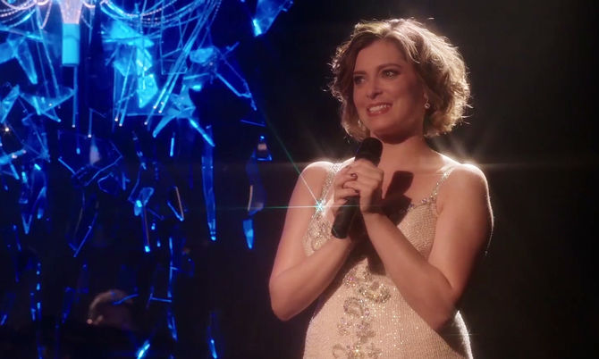 You Stupid Bitch. Fotograma de la serie Crazy Ex-Girlfriend . Imagen tomada de: https://cxg.fandom.com/wiki/You_Stupid_Bitch