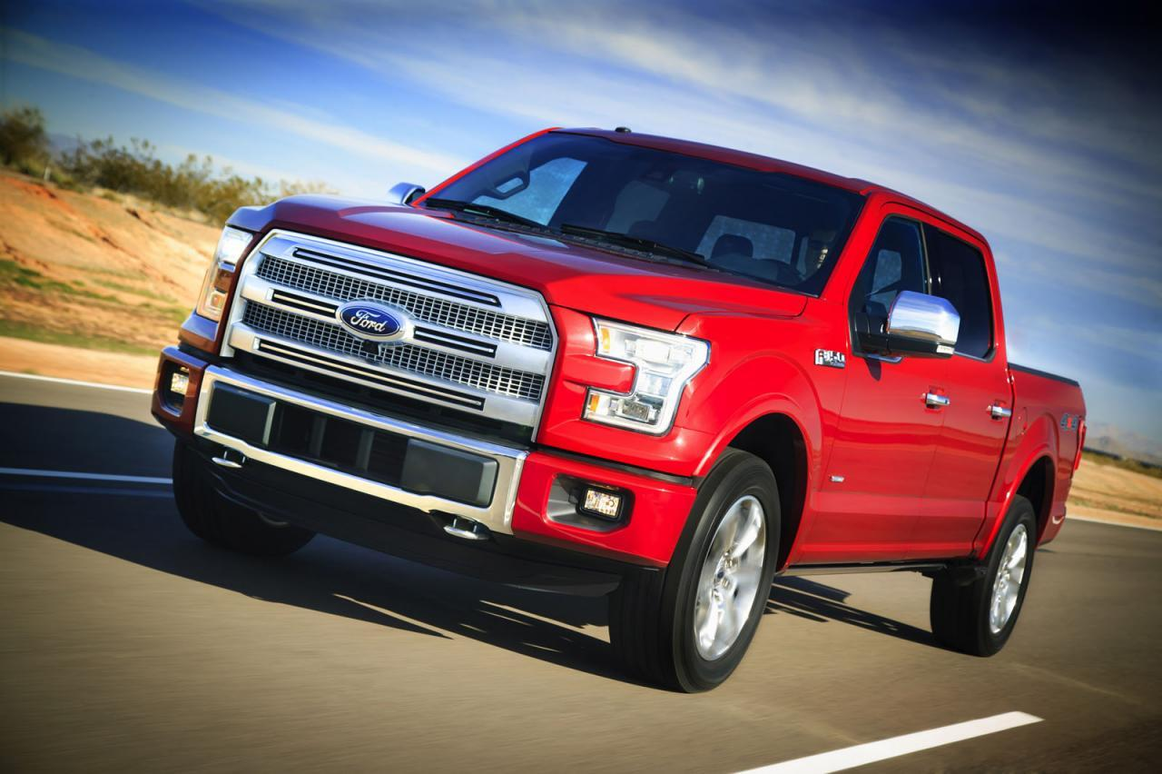 la camioneta ford f 150 modelo 2015 se pone a la