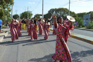 Desfile inaugural del Festival Francisco el Hombre 2017. Foto de Gustavo Mindiola / Archivo particular.