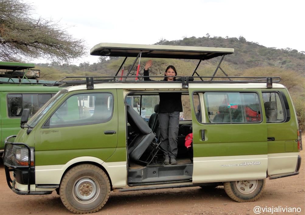 Vehículo 4x4 en safari guiado Tanzania