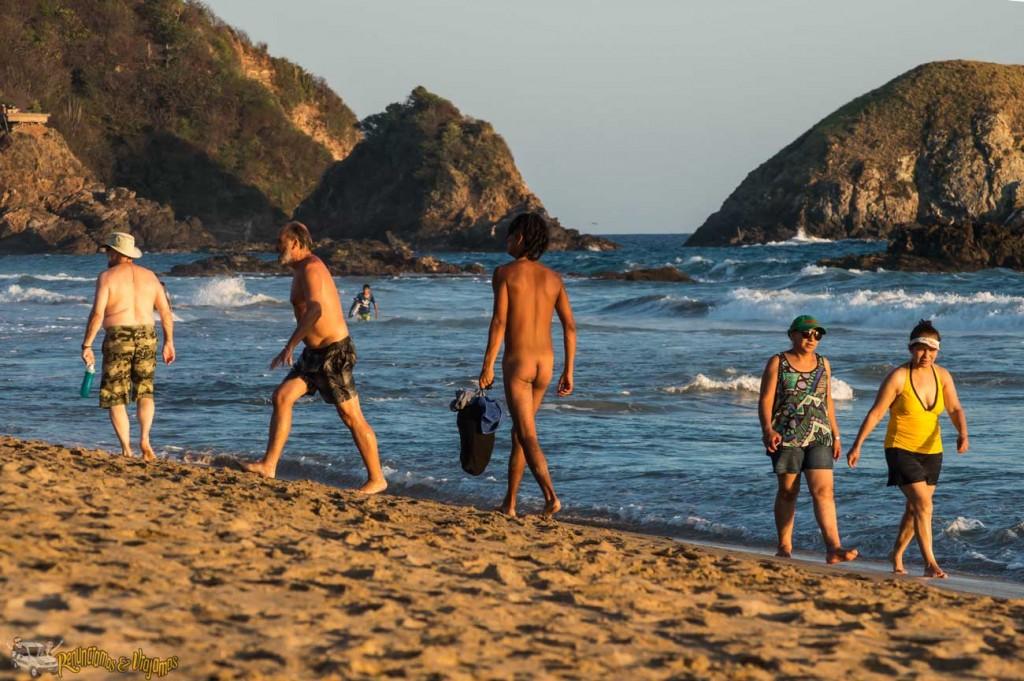 Playa-Zipolite-Oaxaca-Mexico-Renunciamos-y-viajamos-14