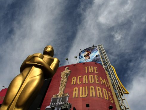 (FILES)Clouds roll in as a Oscar Statue sits on the entrance to the red carpet as crews prepare for the 80th annual Academy Awards ceremony in this February 23, 2008 at the Kodak Theater in Hollywood, California. The race for the best picture Oscar at next year's Academy Awards will feature a bumper crop of 10 films after organizers announced they were doubling the number of nominees here June 24, 2009. In a move designed to broaden competition for the entertainment industry's most coveted award, Academy of Motion Picture Arts and Sciences president Sid Ganis said the move was a throwback to the early years of the Oscars. AFP PHOTO/Timothy A. CLARY