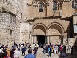 Escalera en iglesia de Santo Sepulcro, en Jerusalén.