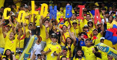https://www.google.com.co/search?q=colombia+football&espv=2&source=lnms&tbm=isch&sa=X&ved=0ahUKEwi52dXg7bXTAhUBuhoKHXexATMQ_AUIBigB&biw=1745&bih=841#tbm=isch&q=colombia+hinchas&imgrc=Y4zi4jh05p5ehM: