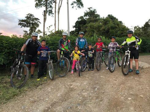 Con la iniciativa liderada por Mauricio Toro y sus amigos, benefician a los jóvenes de las zonas rurales.