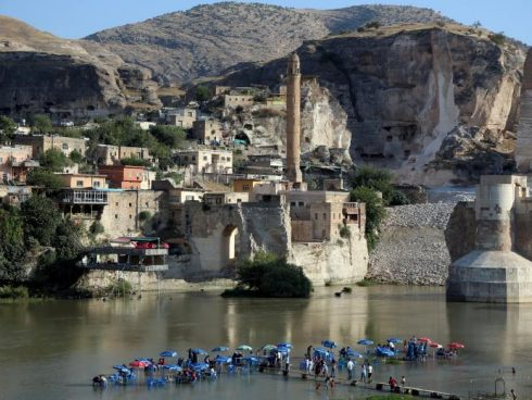 A general view of the ancient town of Hasankeyf by the Tigris river, which will be significantly submerged by the Ilisu dam being constructed, in southeastern Turkey. REUTERS/Sertac Kayar